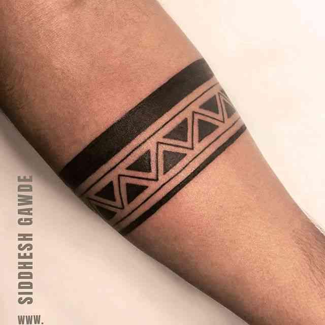 alien-tattoo-pune-arm-design